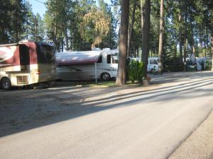 Tamarack RV Park The Road